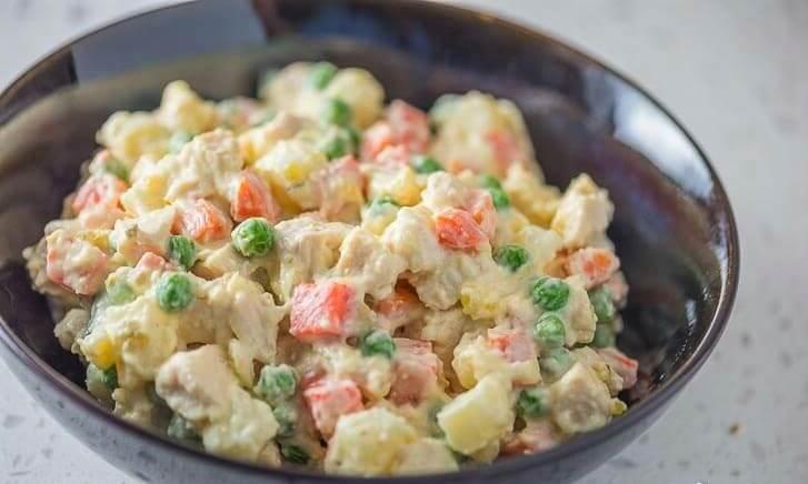 Ensalada de pollo papa y zanahoria